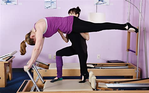Difference Between And Pilates Mat by Difference Between Mat And Reformer Precision Pilates Studio Asheville Carolina
