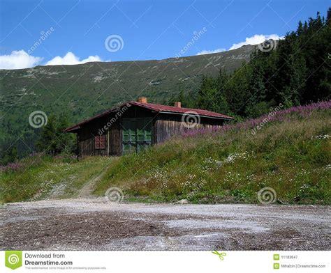 cottage montagna cottage della montagna immagine stock immagine di