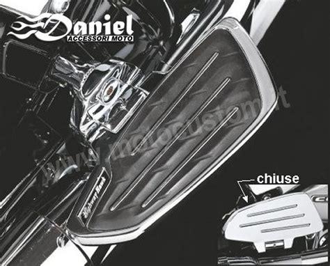 pedane posteriori moto pedane larghe passeggero vari modelli daniel accessori moto
