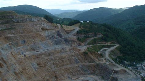 eugi  spain   minerals dolomite