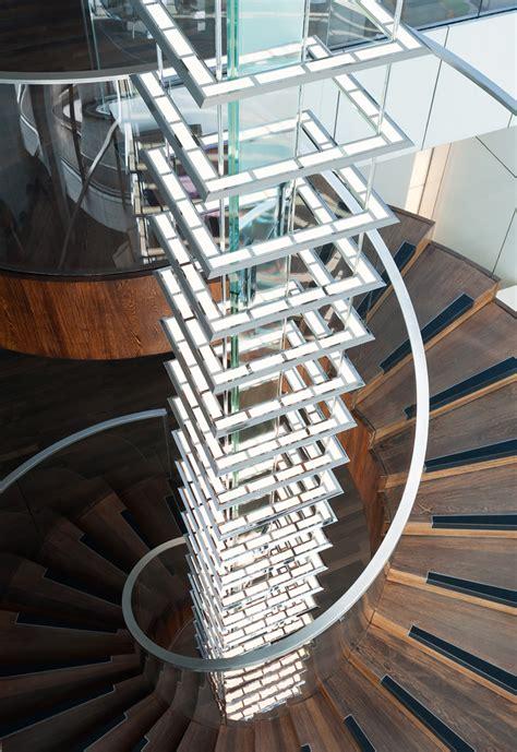 kronleuchter treppenhaus oled pendelleuchte kardorff ingenieure lichtplanung