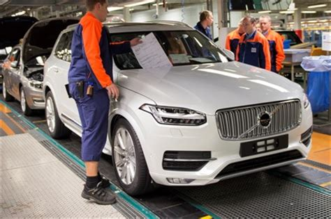 volvo cars torslanda plant starts    production shift     employees