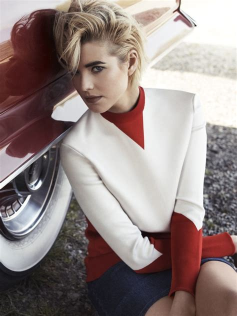 Model Of The Year Agyness Deyn by 17 Best Ideas About Car Senior Pictures On Boy