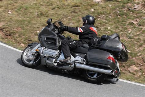Motorrad Bmw Vs Honda mit motorrad vergleichsfahrt bmw k1600gtl vs honda gold