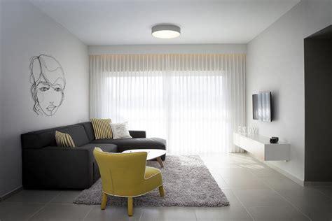 warm soft and minimalist apartment interior design by דנה שקד עיצוב פנים עיצוב דירת קבלן בכפר סבא עיצוב