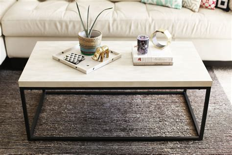 How To Style A Coffee Table Like An Interior Designer How To Accessorize A Coffee Table