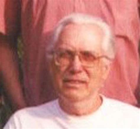 lloyd larson obituary