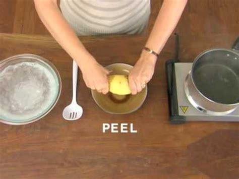 come cucinare le patate velocemente come sbucciare velocemente le patate lesse spettegolando