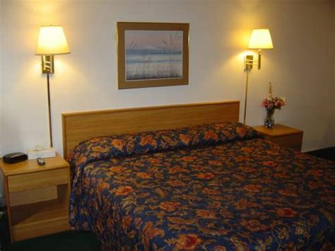 wakota inn and suites in cottage grove mn non smoking