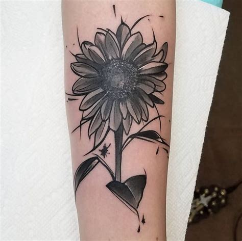 simple sunflower tattoo sunflower meaning and designs 2018