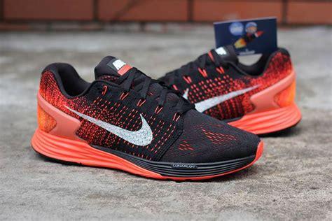 Sepatu Nike Darwin lunarglide 6 flyknit