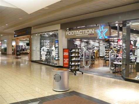 Foot Locker Jersey Gardens by Footaction Outlet New Jersey