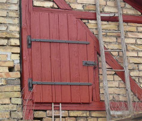 barn rojo 03 torreones fotos gratis ventana pared cobertizo r 250 stico rojo fachada ladrillo puerta de madera