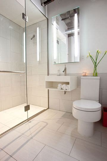 25 best ideas about modern small bathrooms on