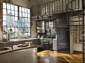 Nyc Kitchen Design New York Designer Wisler Concepted This Industrial Kitchen With Black Aga Legacy