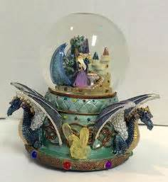 snow cold a mystic snow globe mystery the mystic snow globe mystery series volume 1 books green clutching with mystic