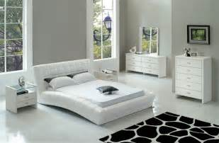 White Modern Bedroom Furniture White Modern Bedroom Furniture Trellischicago