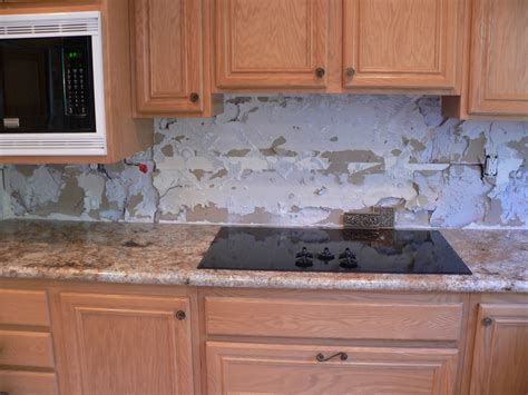 tile backsplash in kitchen kitchen backsplash make over everythingtile