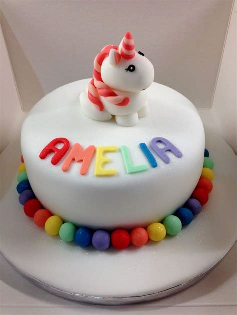 Fondant Birthday Cakes by The 25 Best Ideas About Unicorn Birthday Cakes On