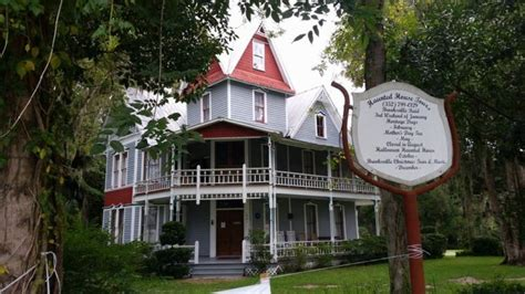 victorian houses in brooksville florida the stuff of nightmares lives in florida s most haunted house