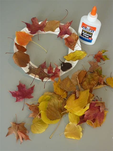 Paper Fall Crafts - thanksgiving crafts for archives events to celebrate