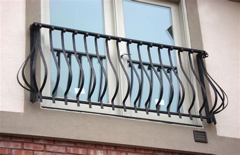 Handmade Iron - custom balcony fabrication installer for commercial