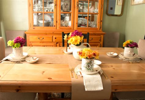 Dining Room Table Setting Dishes Beautiful Thanksgiving Table Decor On A Small Budget The How To Home