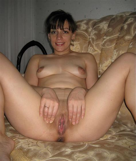amateur russian Mature Shows Her Shaved Pussy russian sexy Girls
