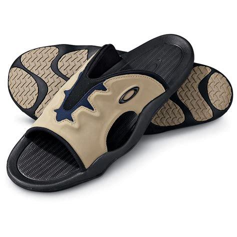 oakley mens boots s oakley 174 liquid smoke sandals black 128242