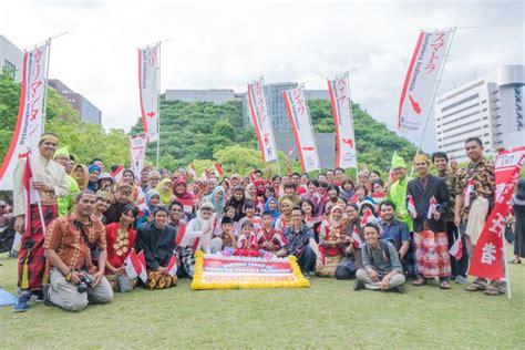 Handuk Tanggung Merah Putih Menyerap bendera merah putih berkibar di hakata dontaku news from indonesia