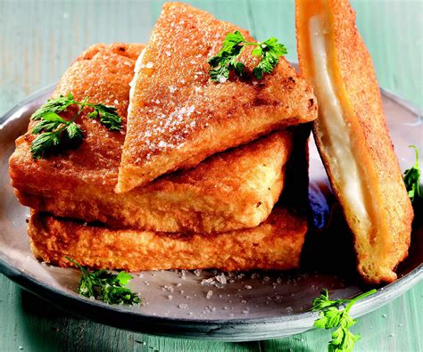 mozzarella in carrozza ricetta mozzarella in carrozza le ricette de la cucina