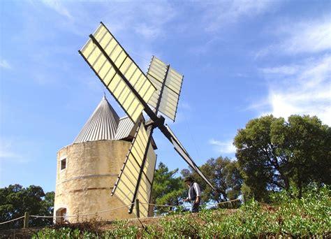 le moulin les moulins de paillas commune de ramatuelle