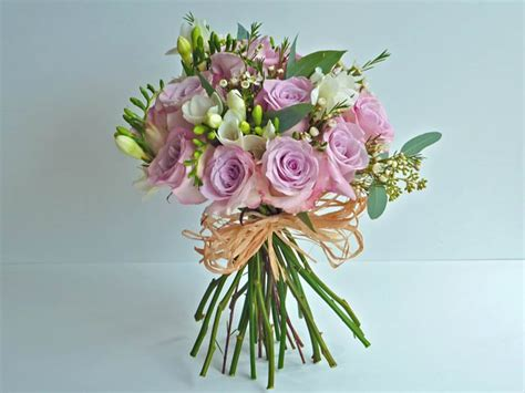 country flower arrangements for weddings