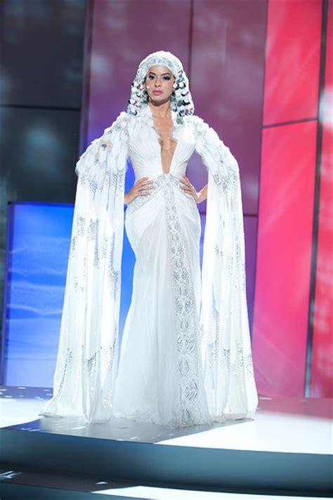 Sarimbit Gradasi Cleopatra 8 tema kostum nasional terspektakuler miss universe versi cdm carta de michael