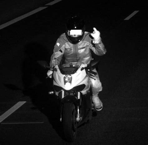 Mobile Blitzer Mit Motorrad by Stinkefinger 78 Punkte In Flensburg Und 4000 Bu 223 Geld