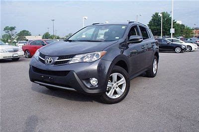 purchase used xle low miles suv automatic sunroof 2.5l 4