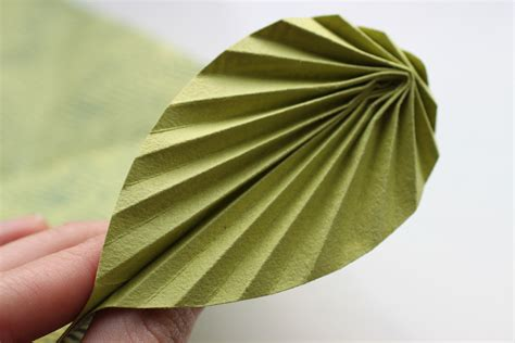 Origami Leave - easy origami leaf card shelley makes