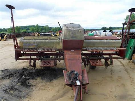 Planter Salvage Yards pin by all states ag parts on international tractors