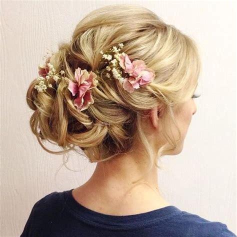 Hochzeitsfrisur Geflochten Blumen by Ein Katalog Unendlich Vieler Ideen