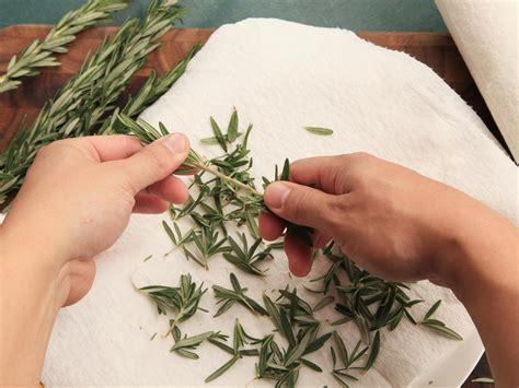 De Kyara Huayi Sho Herbal For Grey White Hair Ab Diskon when is it okay to use dried herbs serious eats