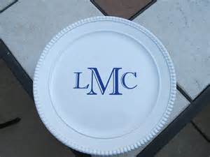 personalized cake plate personalized monogrammed cake plate stand by dezinedtoat on etsy