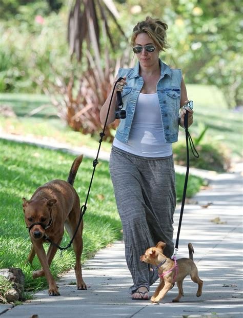 Hilary Duffs Dg Purse by Haylie Duff Photos Photos Haylie Duff Out Walking