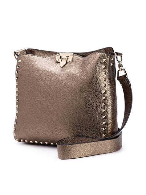 Natasia Ali Bronze Metallic Tote Bag by Lyst Valentino Rockstud Metallic Shoulder Bag In Brown