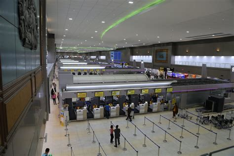 Don Muang Airport In Bangkok To Re Open To International Flights by Don Muang Airport To Suvarnabhumi Shuttle