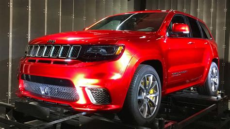 jeep grand cherokee cing 2018 jeep grand cherokee trackhawk preview