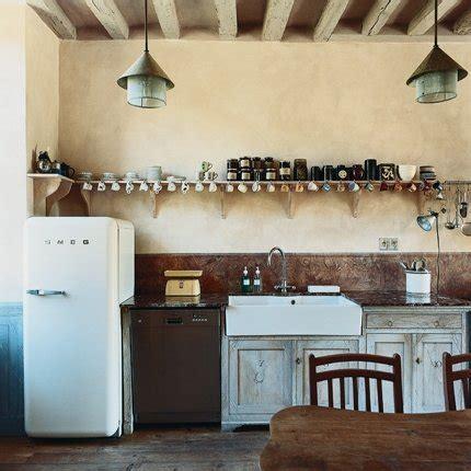 mod鑞e cuisine ancienne une cuisine ancienne au charme surran 233 maison