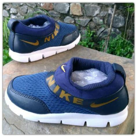 Sepatu Anak Casual Kid Shoes Radent Rdt Wt 001 jual beli sepatu anak laki sekolah wanita tk sd nike