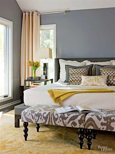 Decorating A Small Master Bedroom by Small Master Bedroom Ideas Better Homes Gardens