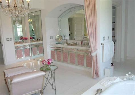 lisa vanderpump s and giggy s mansion in beverly hills