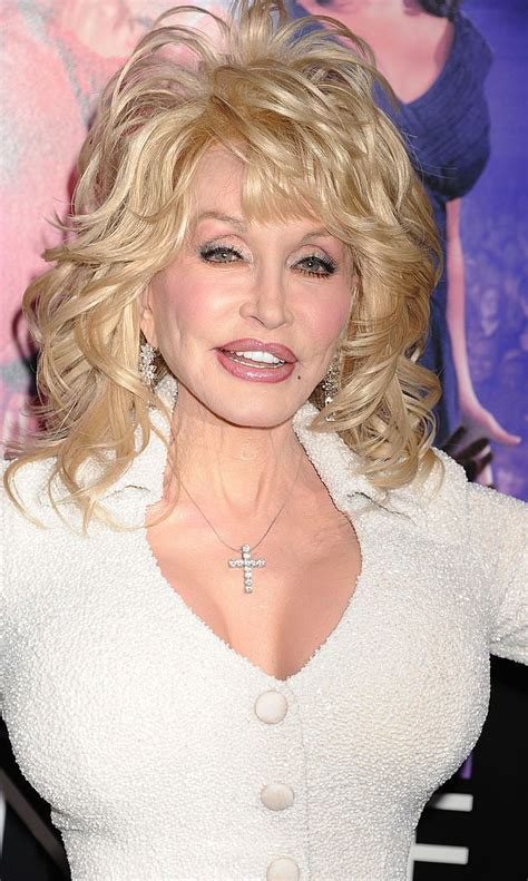 13 things you didn t know about dolly parton fascinating facts plastic surgery and dolly parton
